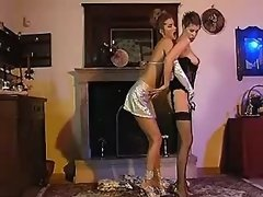 Beauty lesbian in stockings licks innocent chick