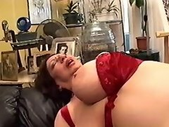 Hot redhead girl drilling lustful lesbo granny
